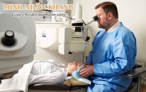Điều trị bệnh đục dịch kính bằng phẫu thuật laser